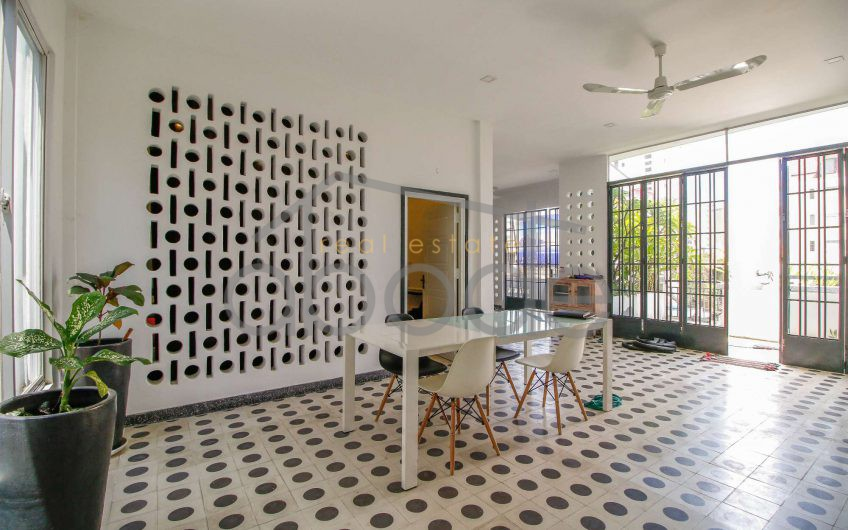 Renovated 2-bedroom townhouse for sale BKK 2